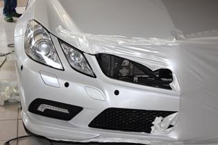 Dafür stehen wir mit unserem Knowhow und absoluter Qualitätsleistung. Ob Teil- oder Vollfolierung ( Car Wrapping ). Die Auto- Vollfolierung schützt den Originallack und gibt Ihnen die Möglichkeit für einen eigenen Stil.